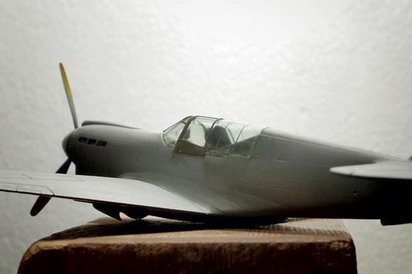 ハセガワ 1/72 P-40Nのキャノピー枠の追加