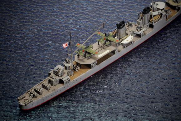 航空駆逐艦「羽風」を後ろから