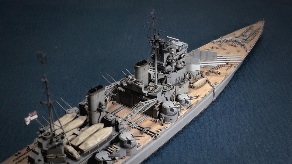 フライホーク プリンス・オブ・ウェールズを右舷から
