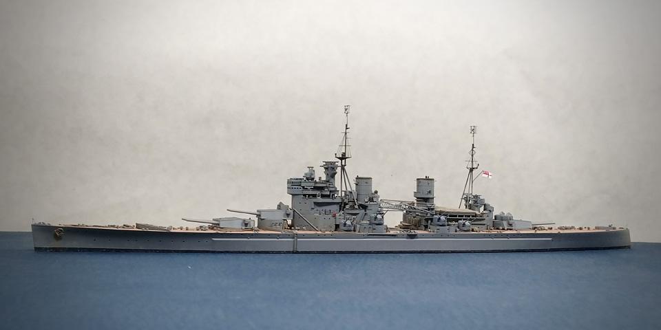 フライホーク プリンス・オブ・ウェールズを左舷から