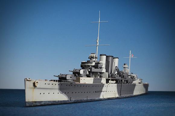 「アオシマ 1/700 HMSケント